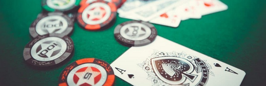 Live or online poker